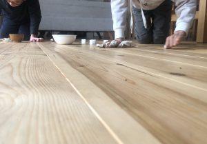 引っ越して5ヶ月、初めて床を磨きを。~埼玉県で健康注文住宅に入居中!~
