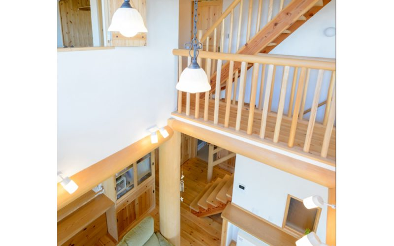 光や空気を通して快適さを生み出す吹き抜け   自然素材の注文住宅,健康住宅   実例写真   愛知県小牧市