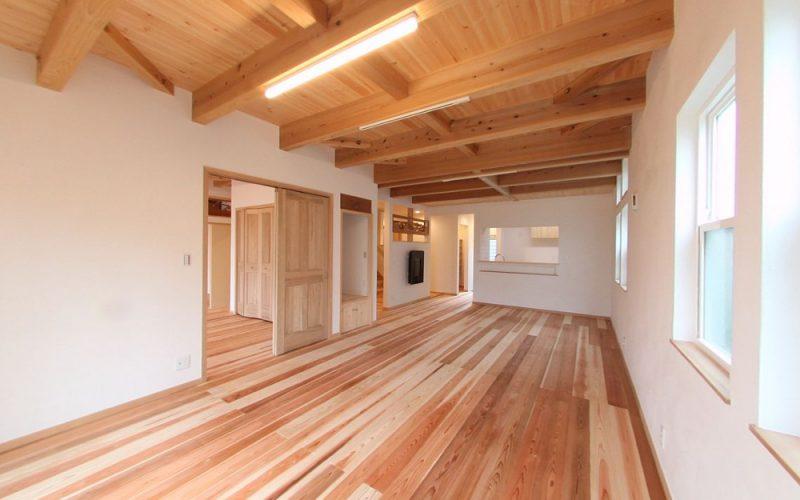 漆喰と無垢材に囲まれた安らぎのリビング   自然素材の注文住宅,健康住宅   実例写真   東京練馬区