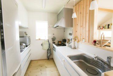 白を基調にした清潔感漂うキッチン | 自然素材の注文住宅,健康住宅 | 実例写真 | 東京都西東京市