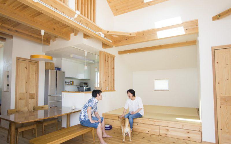 勾配天井の広々リビング | 自然素材の注文住宅,健康住宅 | 実例写真 | 東京都西東京市
