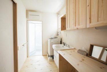 「表」と「裏」、そして「回遊」。一級建築士が設計した自邸。
