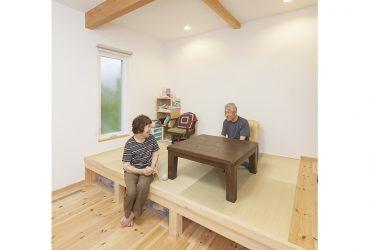 ほどよい距離感が心地いい同居型2世帯の家