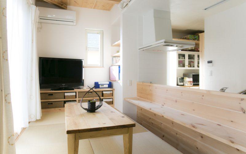 陽光差し込む明るいリビング   自然素材の注文住宅,健康住宅   実例写真   埼玉県さいたま市
