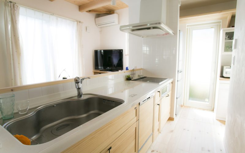 スパーラジエントヒーターを選択した使い勝手のよいキッチン   自然素材の注文住宅,健康住宅   実例写真   埼玉県さいたま市