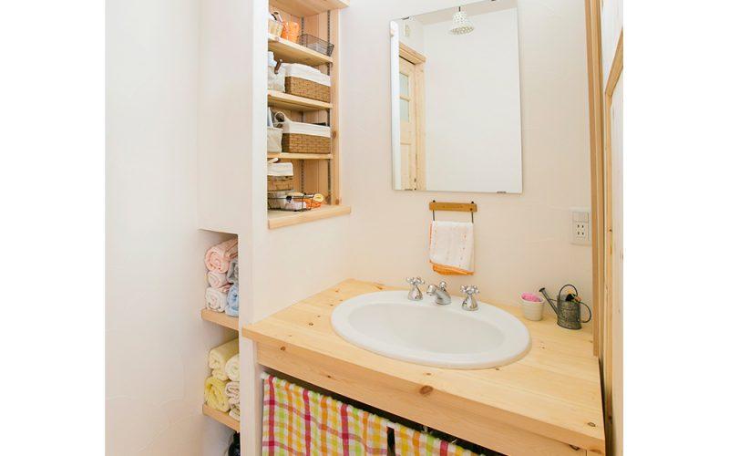 ニッチのある洗面スペース   自然素材の注文住宅,健康住宅   実例写真   埼玉県さいたま市