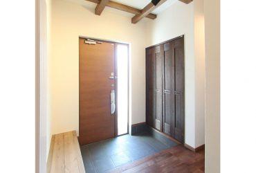 玄関ベンチ | 自然素材の注文住宅,健康住宅 | 実例写真 | 東京都練馬区
