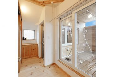 室内干しと外干しを使い分けできる物干し場 | 自然素材の注文住宅,健康住宅 | 実例写真 | 宮城県仙台市