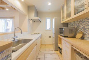 無垢材が温かい雰囲気のシステムキッチン | 自然素材の注文住宅,健康住宅 | 実例写真 | 埼玉県さいたま市
