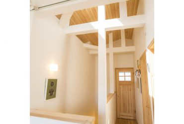 勾配天井と梁を生かしたフリースペース | 自然素材の注文住宅,健康住宅 | 実例写真 | 埼玉県さいたま市