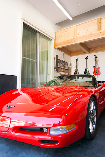 二世帯で住むガレージハウス