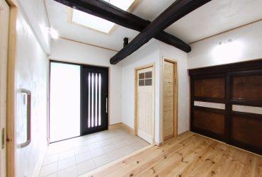 玄関をスッキリさせるシューズクローゼット | 自然素材の注文住宅,健康住宅 | 実例写真 | 栃木県下都賀郡