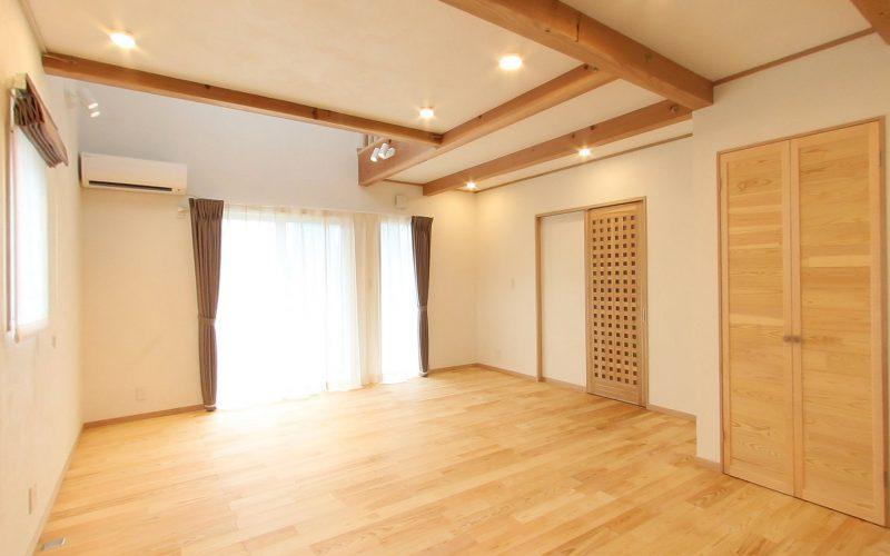 陽光差し込む明るいリビング | 自然素材の注文住宅,健康住宅 | 実例写真 | 栃木県下都賀郡