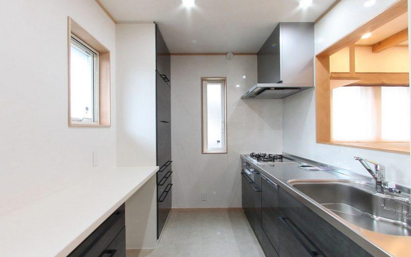 機能的で使いやすいシステムキッチン | 自然素材の注文住宅,健康住宅 | 実例写真 | 栃木県下都賀郡