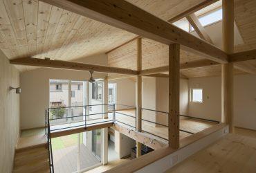 2階の壁や家具の配置は、暮らしながら検討する「自由に編集可能な空間」というコンセプトで、将来的な壁や建具の増築にも対応します。