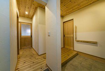 薪ストーブとリビング階段を中心にした家   宮城県東松島市